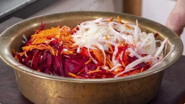 Этот салат из капусты вы будете готовить всю зиму:  «Кремлевская Хряпа»