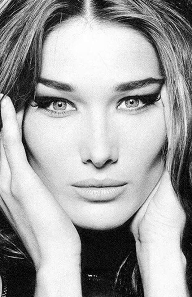 Красота впрошлом: модели, которые испортили свою внешность пластикой