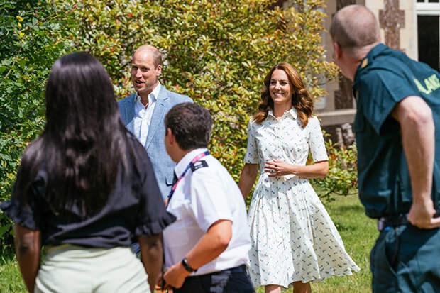 Настоящие герои: Кейт Миддлтон и принц Уильям встретились с представителями организаций, борющихся с пандемией коронавируса
