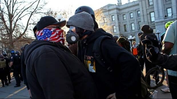 Призрак гражданской войны в США обретает плоть
