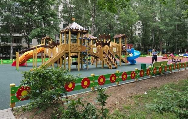 В Северном Тушине до конца лета благоустроят 19 дворовых территорий