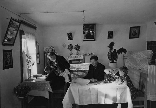 Самоизолировались? Посмотрите, что делали дома в СССР (ФОТО)