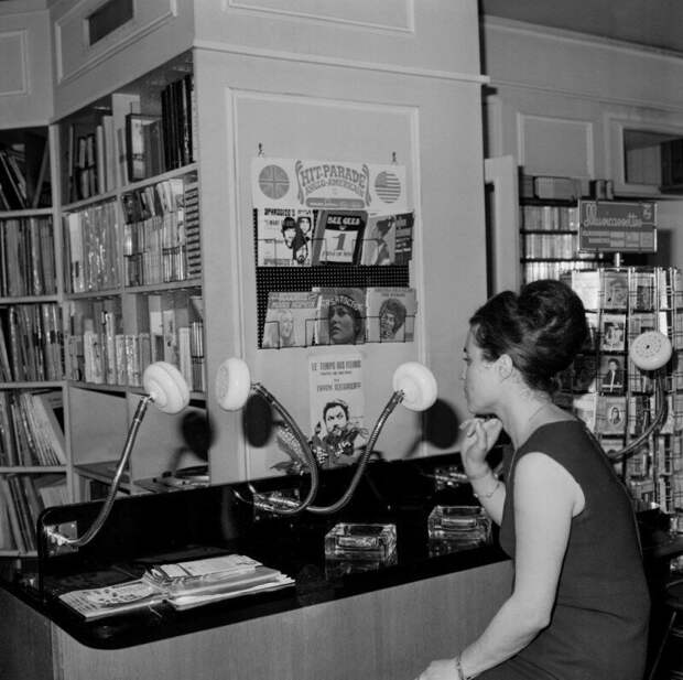 В музыкальном магазине, 1969 год, Париж история, ретро, фото