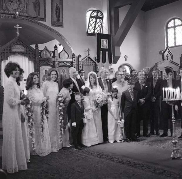 Натали Вуд в день своей свадьбы. 1969 год.