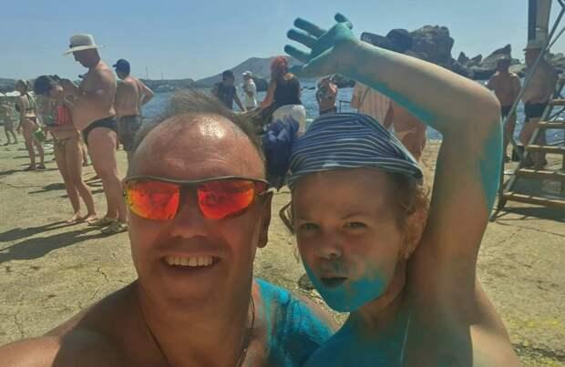 В Крыму 7-летняя туристка спасла 5-летнего мальчика, упавшего в бассейн. ВИДЕО