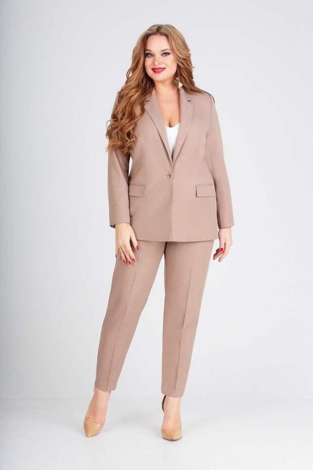 Модные брючные костюмы лето 2020 для работающих женщин 50+