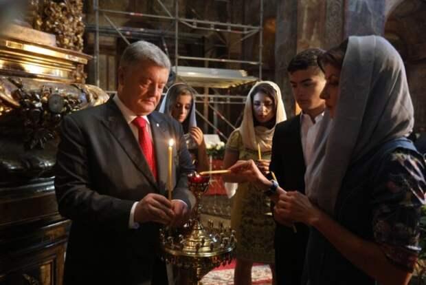 Порошенко призвал украинцев на массовый молебен
