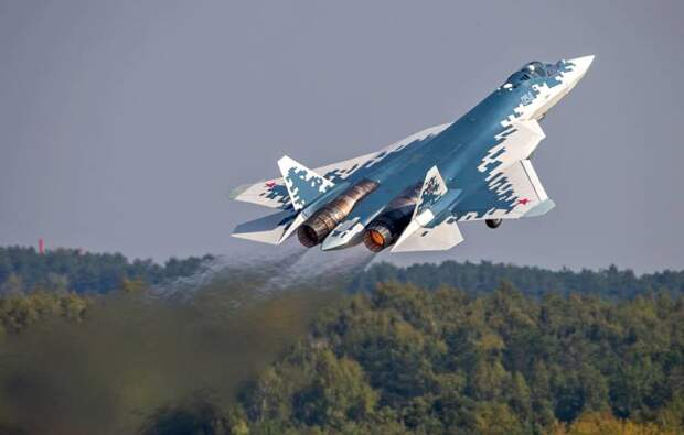 На Западе попытались объяснить, почему российский Су-57 не идет ни в какое сравнение с F-35
