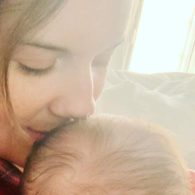 Мэгги Грейс впервые стала мамой