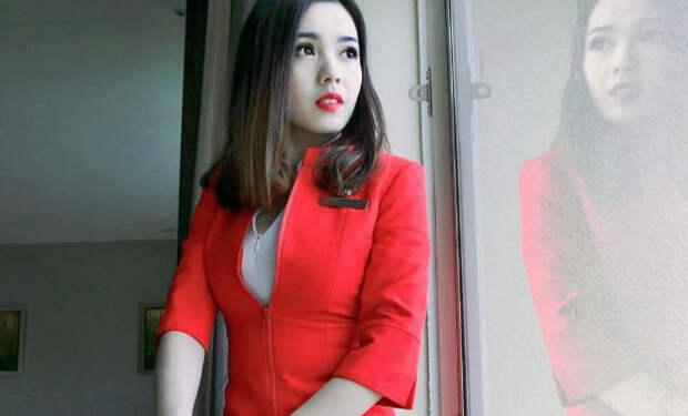 Новая форма азиатских стюардесс