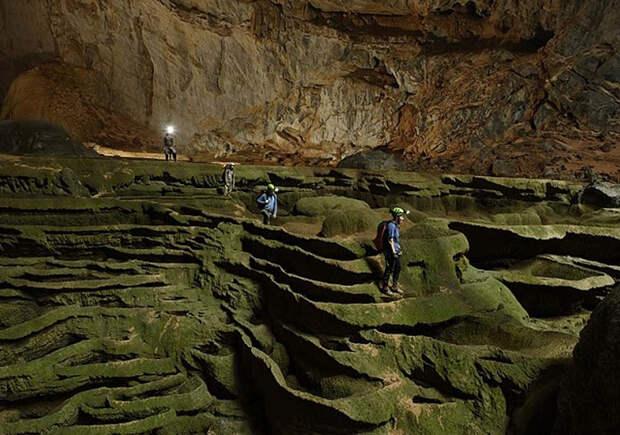 Самая большая в мире пещера: в Шодонг поместится даже самолет