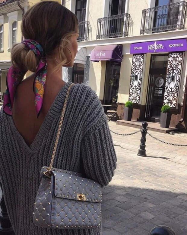 Шелковый платок: 10 элегантных и оригинальных способов носить эффектный аксессуар этой весной