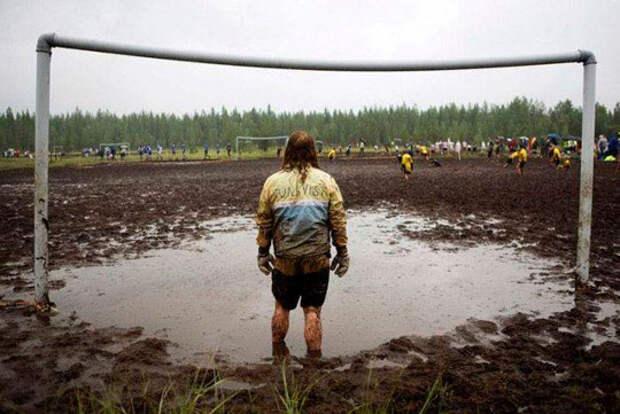 Ни одной мысли, как можно играть на таком поле не мой день, неудача, фото, что то пошло не так, юмор