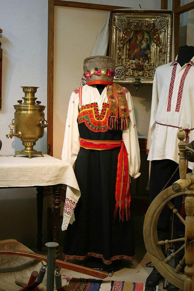 Что надевали под сарафан женщины на Руси