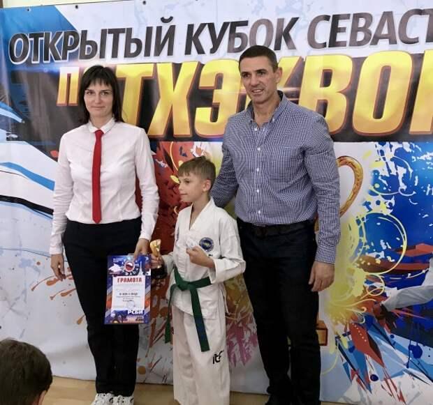 Севастопольский филиал «РСБИ» поддержал юных тхэквондистов