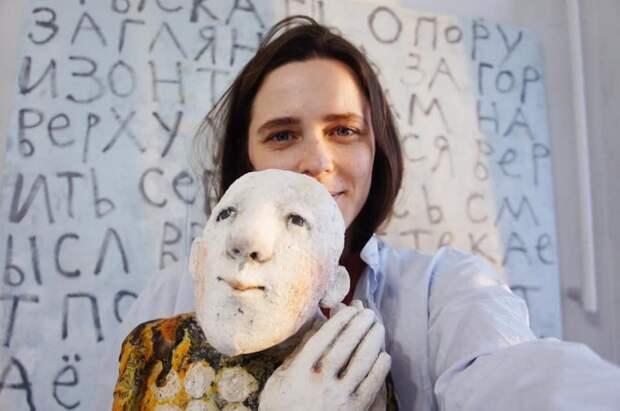 Художница из Щукина создаёт керамических хранителей
