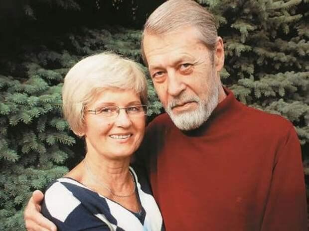 Георгий Мартынюк с женой Неёлой (http://stuki-druki.com/biofoto/Georgiy-Martynyuk-zhena.jpg)