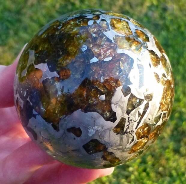 Отполированный метеорит