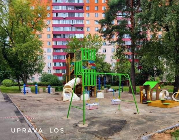 В Осташковском проезде отремонтируют детскую площадку