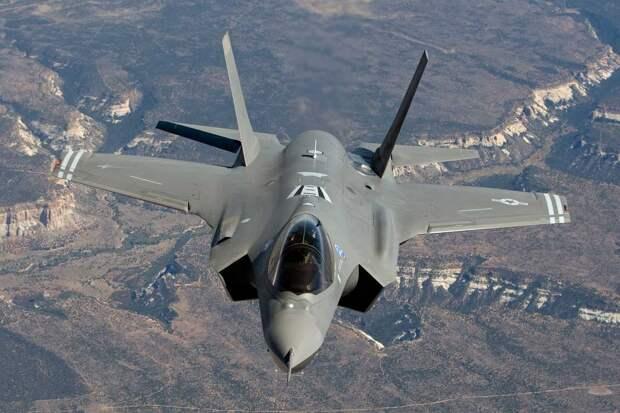 Бывший министр обороны США назвал истребитель F-35 «куском дерьма»