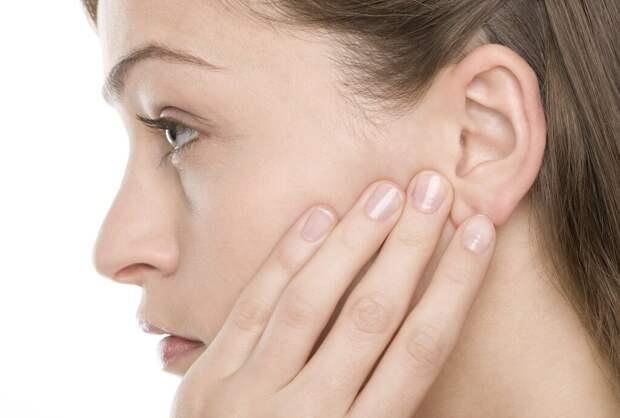 Почему женщины любят ушами? Миф или ?
