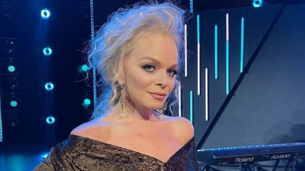 Певица Лариса Долина спровоцировала скандал с финалистом «Фабрики звезд»