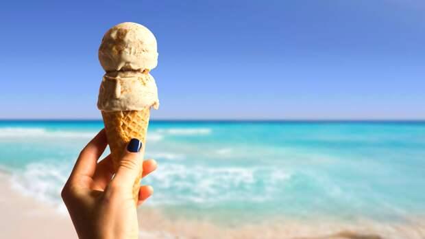 Названы простые способы пережить летнюю жару