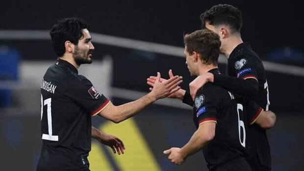 ФИФА не будет наказывать сборную Германии за акцию против нарушения прав человека в Катаре