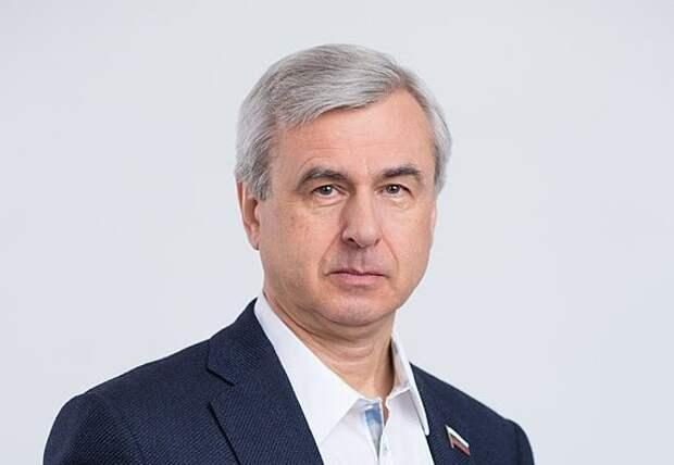 «Единая Россия» чистит депутатские ряды