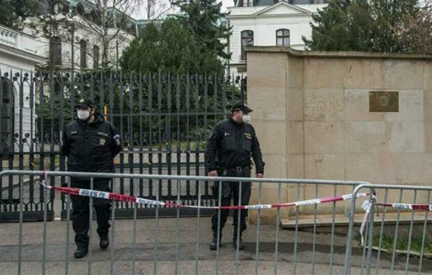 «Решение о высылке принято»: МИД Чехии сократит состав российского посольства