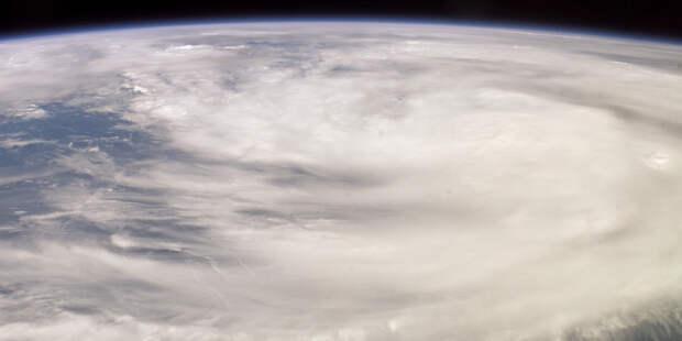 К побережью Мексики движется ураган «Рик»