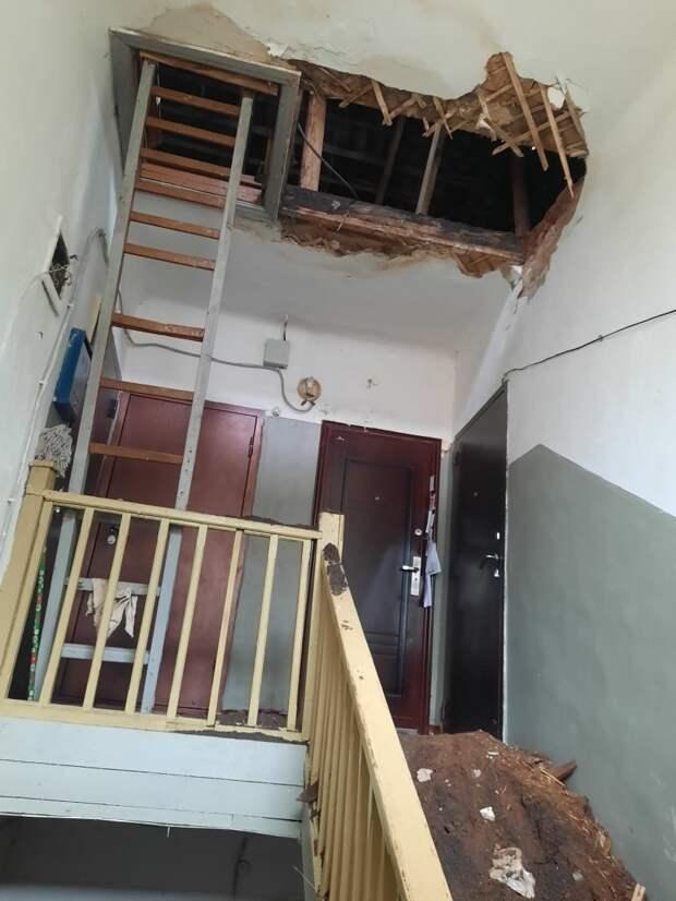 Прокуратура провела проверку после обрушения потолка в жилом доме в Воткинске