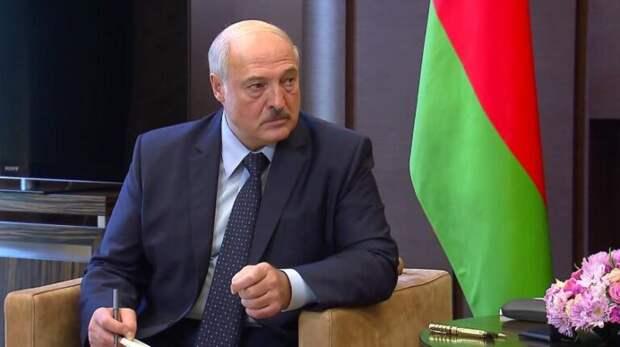 СМИ: Лукашенко запретили полет над Украиной