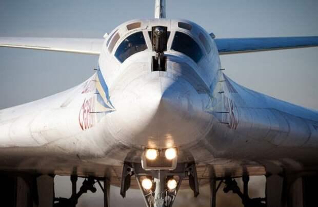 Ту-160 перебросили к границе США