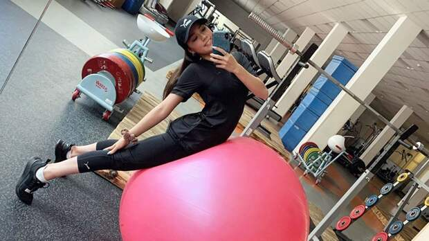 «Со старым другом». Загитова сделала селфи в спортзале: фото