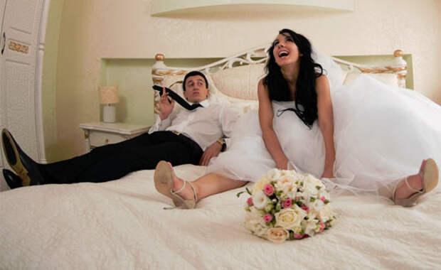 Муж после свадьбы: — У меня есть 3 привычки...