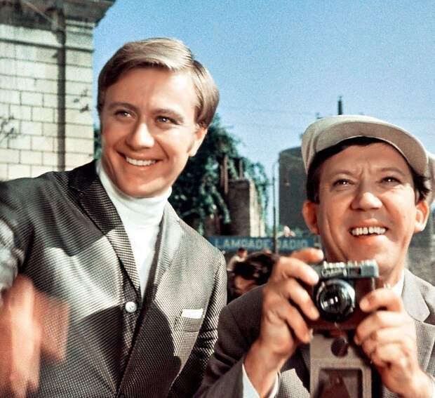 Зарплаты актеров СССР: сколько зарабатывали за съемки, и хватало ли этого