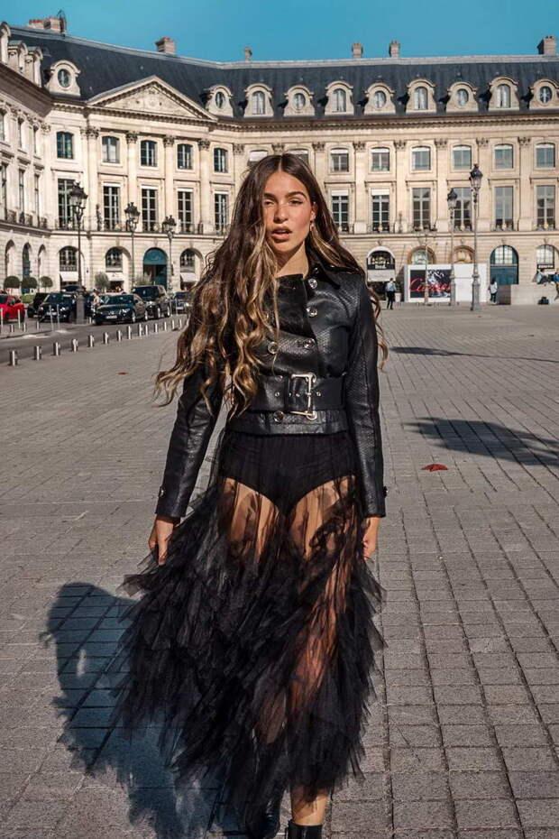 Черная юбка 2022 —  как и с чем носить красиво