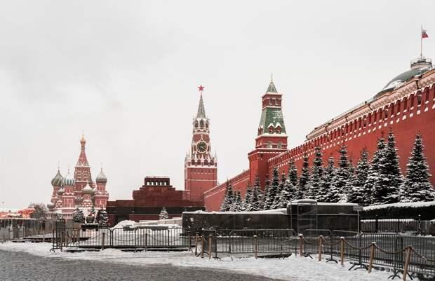 Комментарий из Кремля по масочному режиму в Удмуртии, «пепсикольные» дни и мухи на МКС: что произошло минувшей ночью