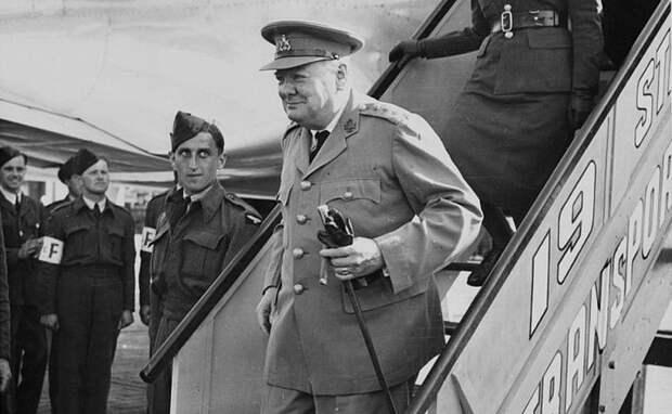 Прибытие британского премьера Уинстона Черчилля на встречу «Большой тройки» в Потсдам