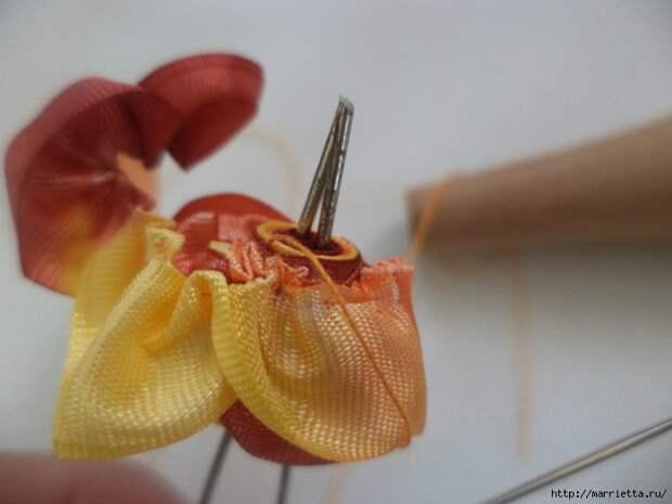Миниатюрные цветы из ленточек. Мастер-классы (25) (700x525, 196Kb)