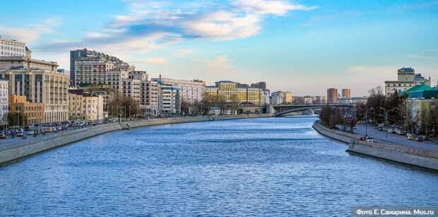 Мобильные пункты вакцинации откроют на строительных объектах в Москве. Фото: М.Денисов, mos.ru