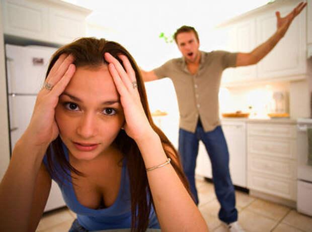 10 ошибок, которые делают женщины в отношениях