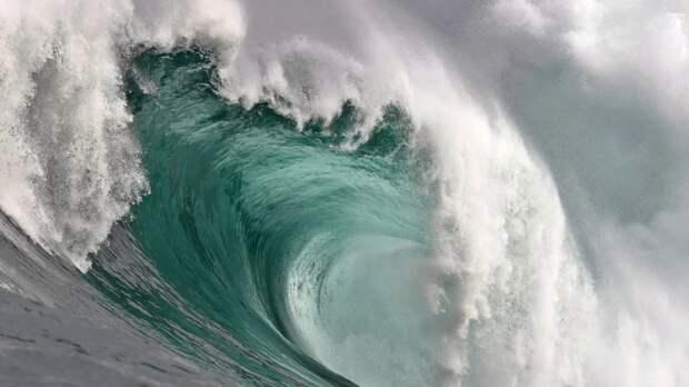 Атлантический океан каждый год увеличивается и раздвигает тектонические плиты
