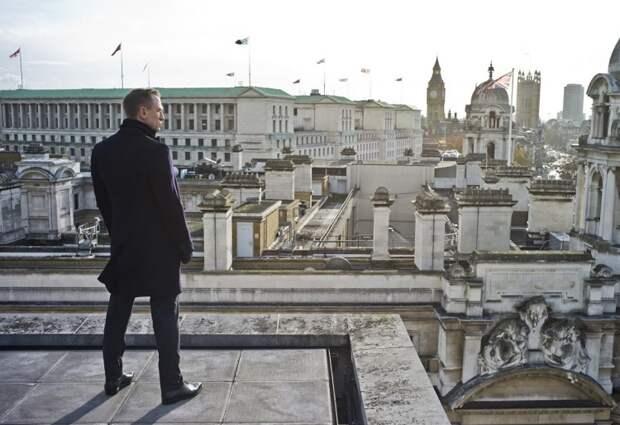 """Дэниел Крейг в фильме """"007: Координаты """"Скайфолл"""""""