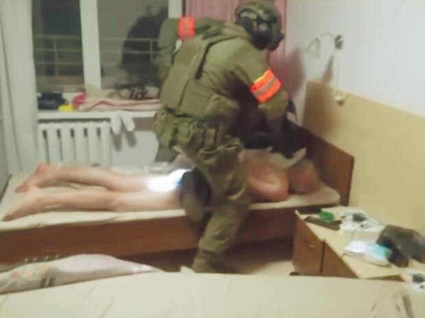 Чем там занимались 33 гражданина России
