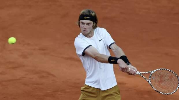Рублёв вышел в третий круг US Open на отказе Симона