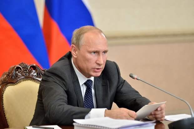 Путин заявил новому Кабмину, что не потерпит оправданий за плохо выполненную работу