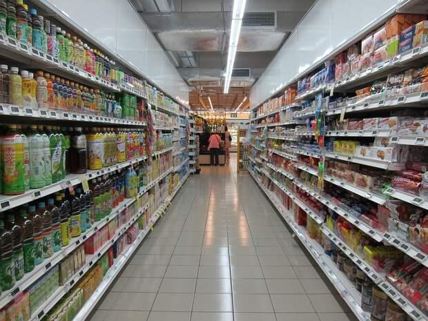 Россиянам не советуют поддаваться продовольственной панике, товаров в магазинах достаточно