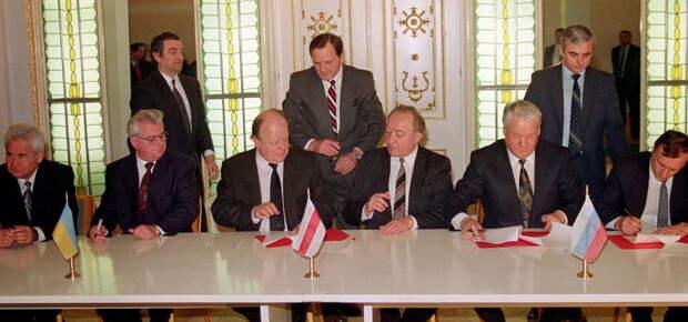 Коротич: Кравчук хотел общую армию с РФ, но Ельцин не позволил